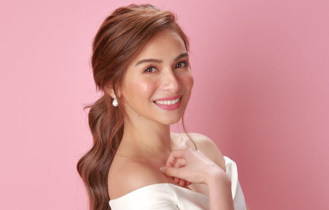 Jennylyn Mercado as Dr Maxine Dela Cruz